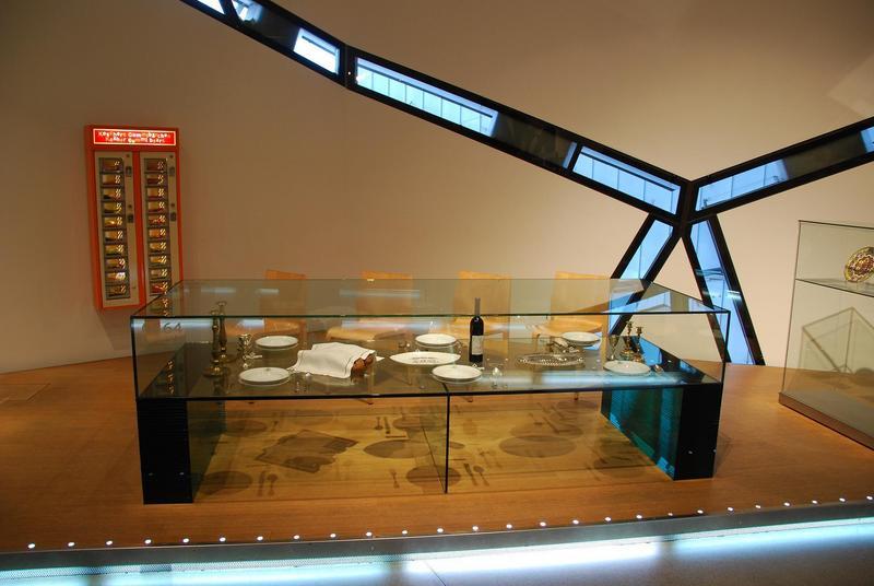 חלונות במוזיאון.jpg